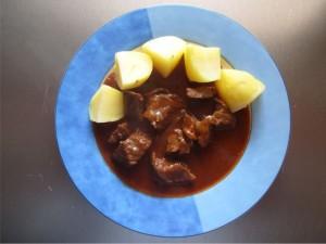 Rindergulasch mit Kartoffeln