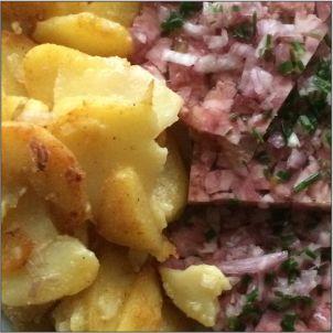 Sülze mit Bratkartoffeln klein