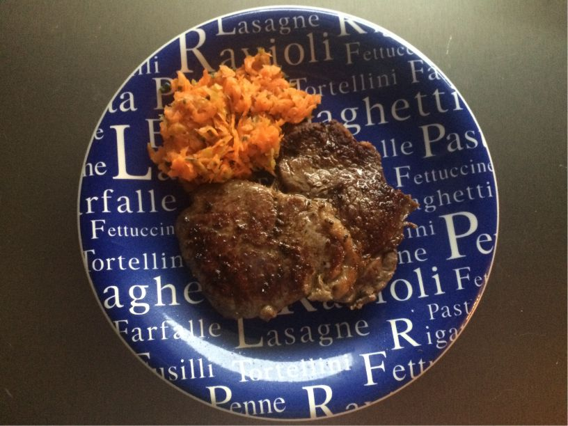 Steak mit Karottensalat