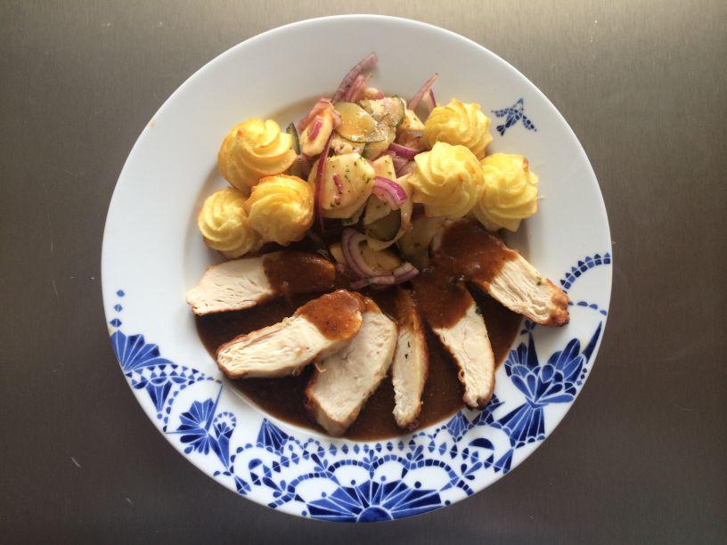 eller Huhn mit Zwiebelmarktsalat