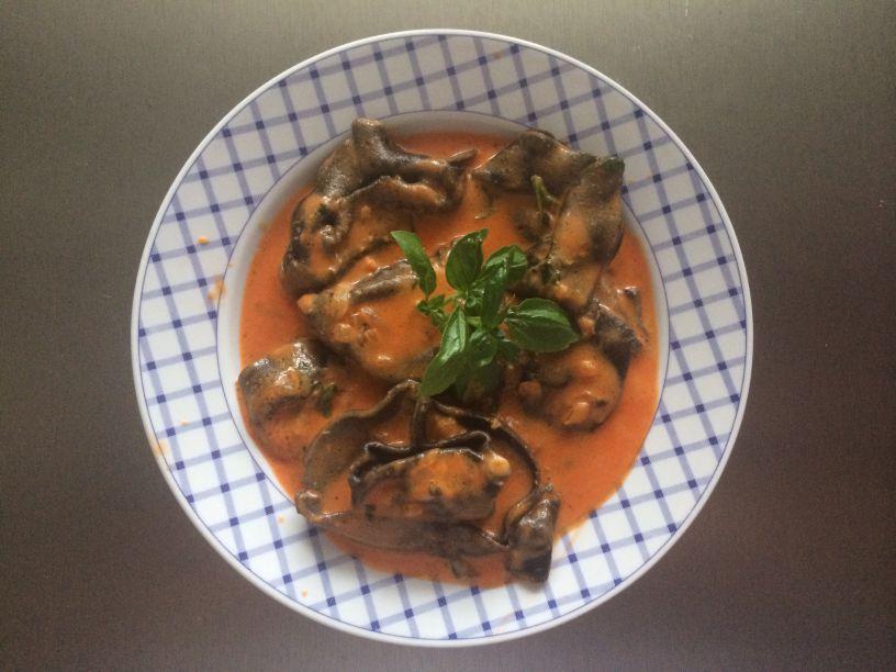 Teller Lachs Tortellini