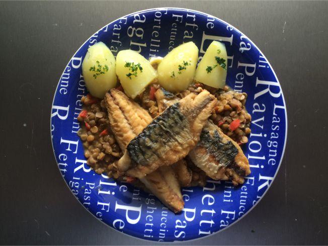 Teller Makrele auf Linsen