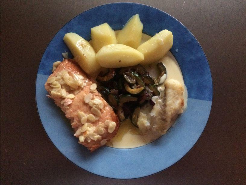 Teller Seeteufel und Lachs mit Zuchinigemüse