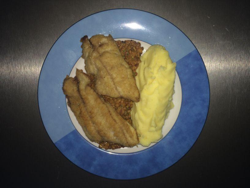 Teller Wels auf Linsen mit Kartoffelpüree