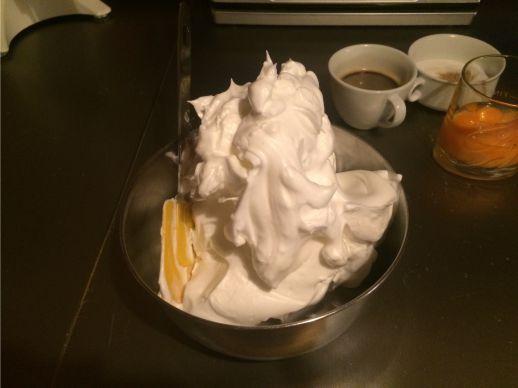 steifer Eischaum für Tiramisu Torte